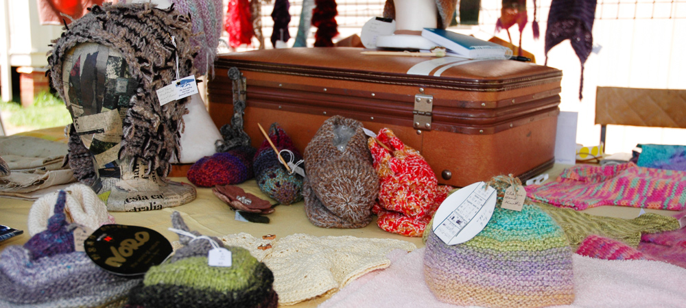 hand_made_products_pyree_village_merkets